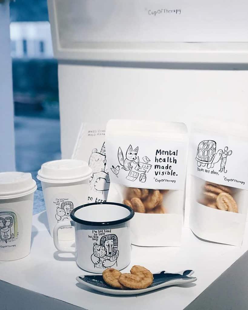 星街小區:芬蘭設計團隊Cup Of Therapy講座交流會|白做研究所舉辦 現場可購買 Cup Of Therapy 的琺瑯杯子和香港別注版蝴蝶酥。