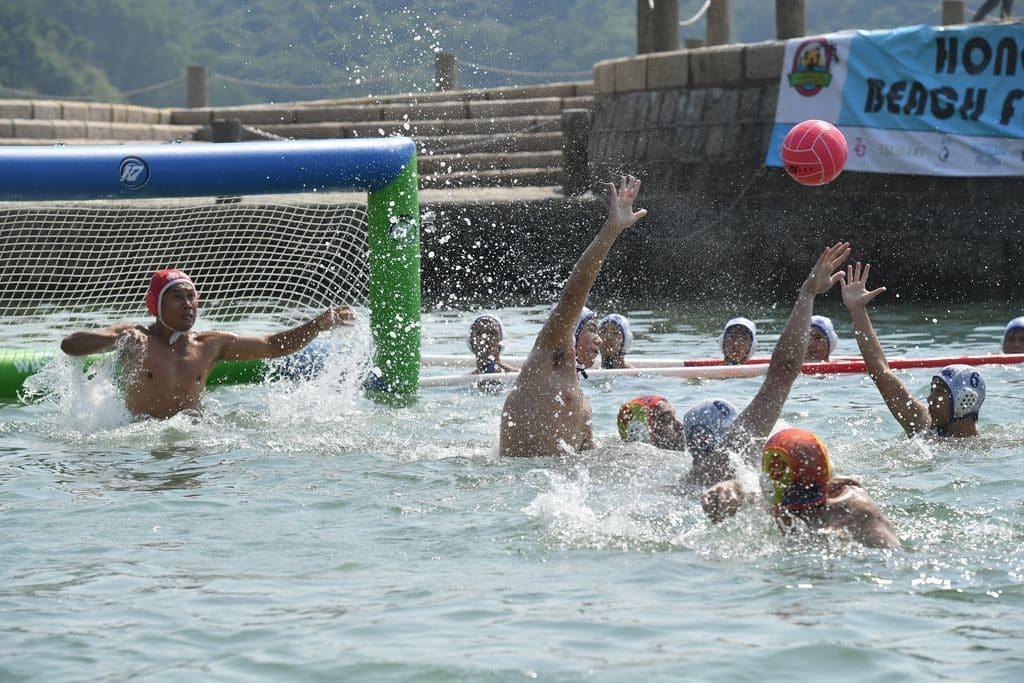 淺水灣沙灘:香港沙灘節 2018 期間會上演香港國際沙灘水球錦標賽。