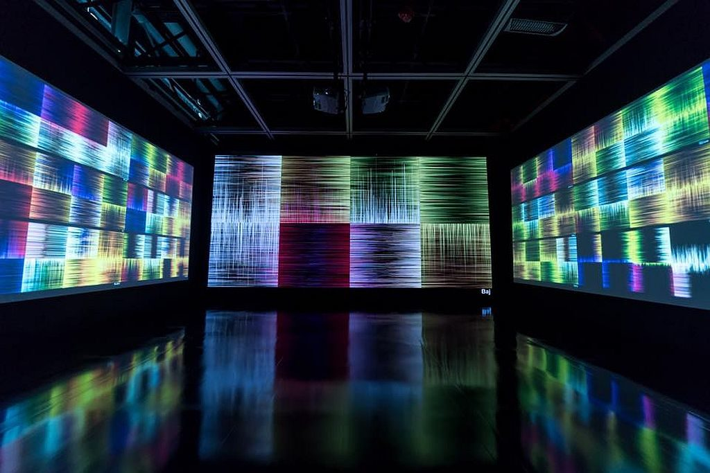微波國際新媒體藝術節 2018 參展作品:《如是》。