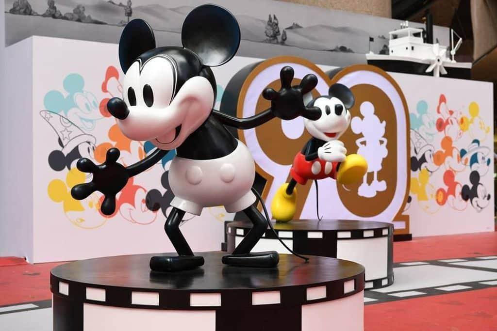 時代廣場米奇90周年展覽期間,27 座栩栩如生的 3D 立體及 2D 米奇,將會遍佈地面露天廣場,讓大家自拍打卡。