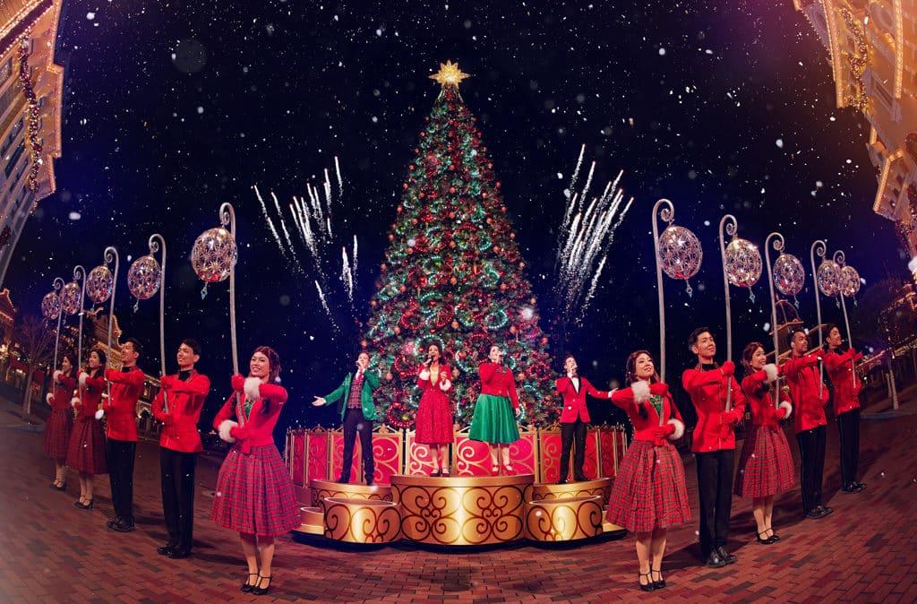 香港迪士尼聖誕節2018:A Disney Christmas 「聖誕歌詠團」會現場演繹動人聖誕樂曲。