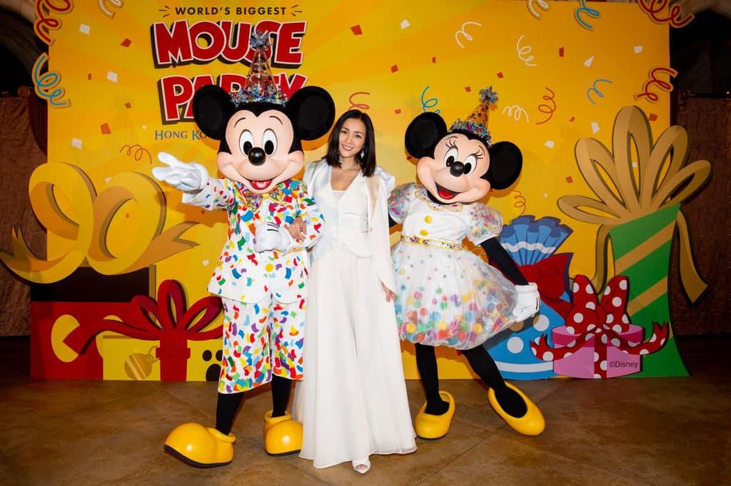 香港迪士尼聖誕節2018:A Disney Christmas 藝人謝安琪亦是米奇的忠實粉絲。