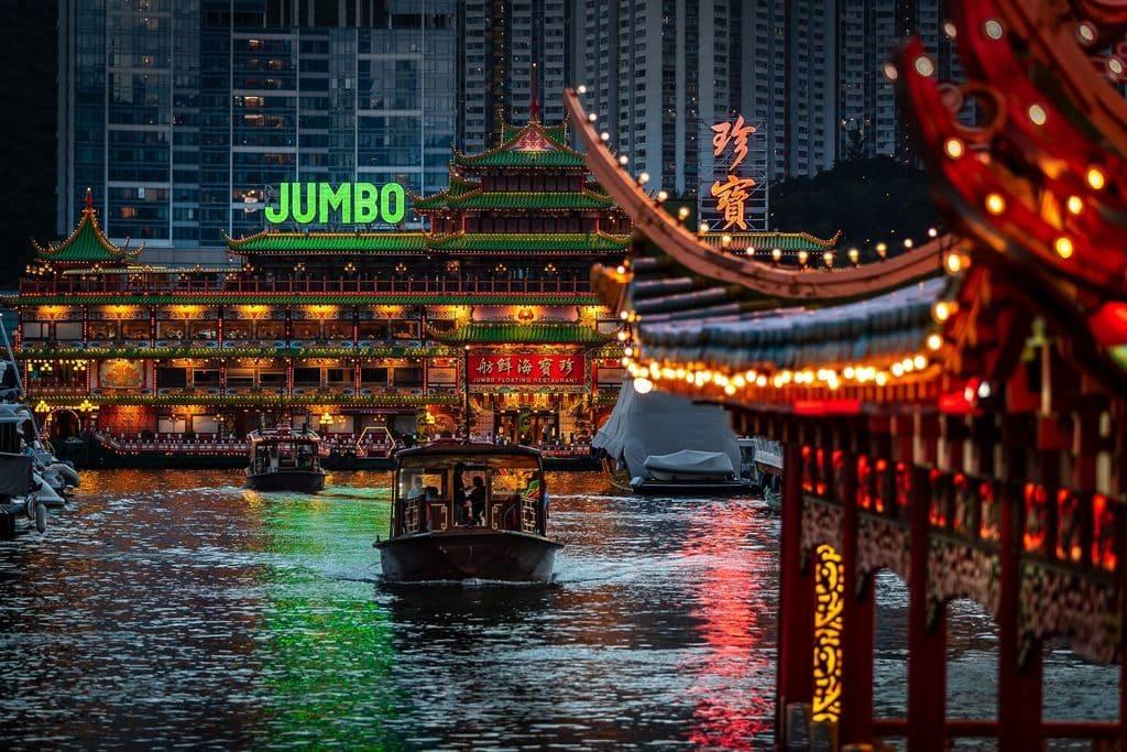 Lifewire Run 愛跑‧香港仔比賽過後,可遊覽避風港。乘坐觀光舢舨,欣賞避風港得天獨厚的自然美景。