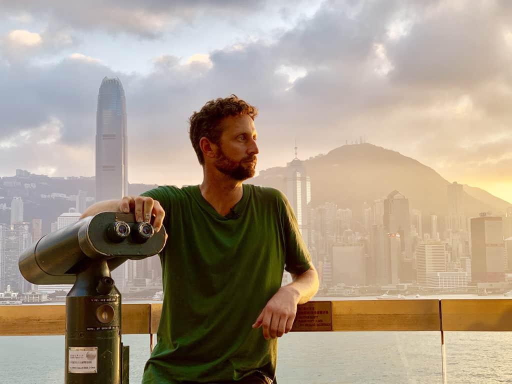 中港城:塗鴉藝術聖誕燈飾 澳洲塗鴉藝術家 Drew Straker