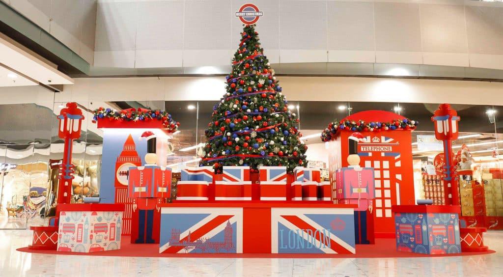 東薈城名店倉:Cath Kidston 滿屋英倫聖誕風 場內佈滿以現代時尚風展現的英倫特色建築物。