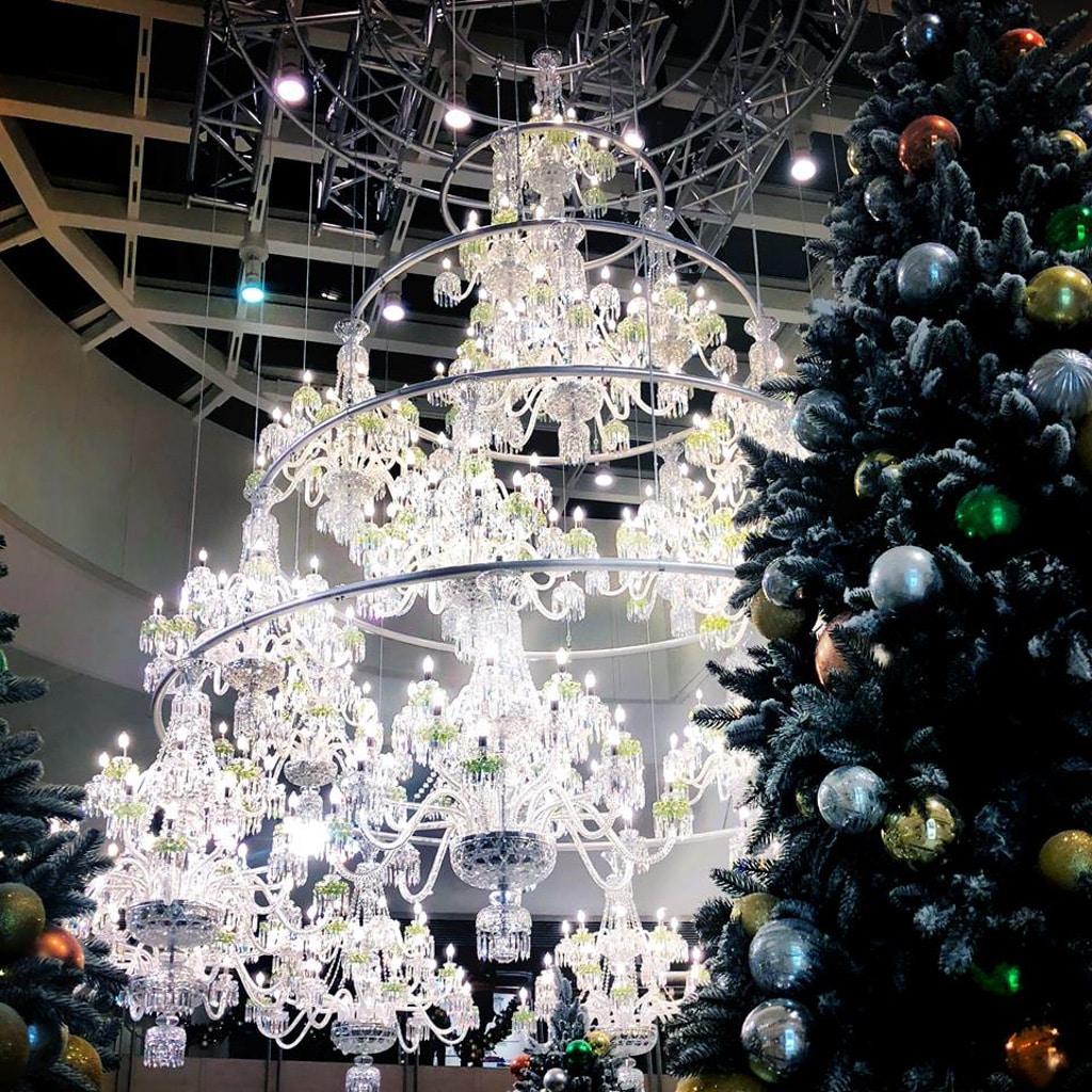 圓方Elements:華麗水晶童話 水晶燈聖誕樹總重量高達 1,750 公斤。