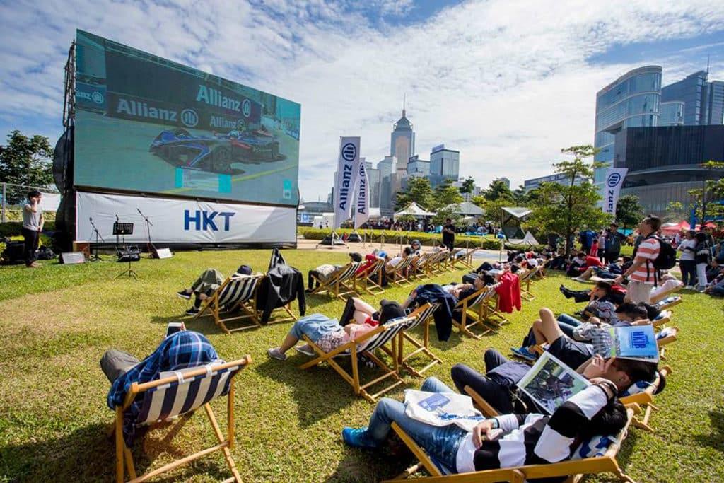 Formula E Hong Kong 2019|電動方程式賽車2019 E-Village 內可於大電視現場追蹤賽車熱況。