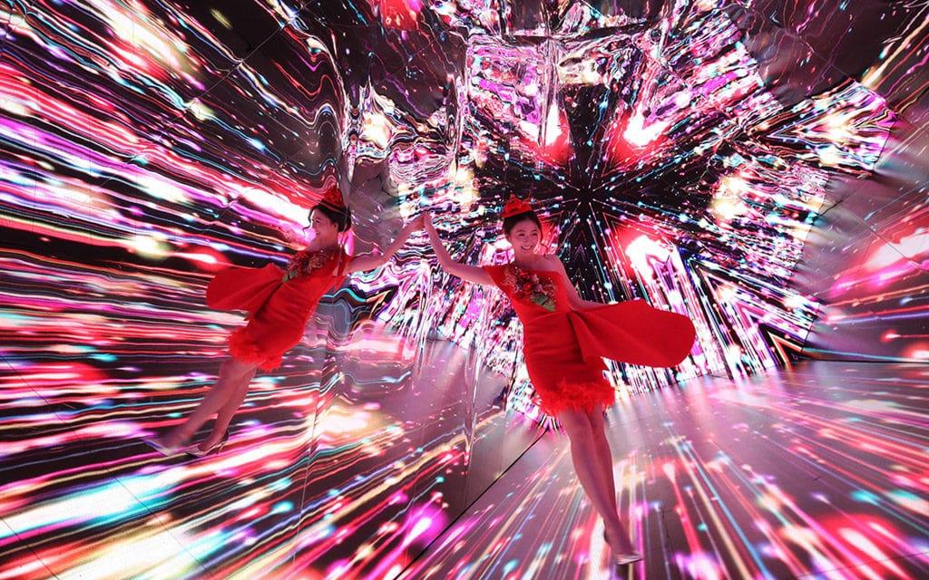 海港城聖誕2018:Christmas Treasures  全球最大三角鏡影像萬花筒