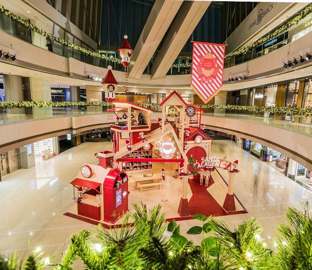 ifc 商場在 2018 聖誕節期間將變身成充滿北歐氣氛的聖誕老人學院「Santa Academy」。 ifc 商場在 2018 聖誕節期間將變身成充滿北歐氣氛的聖誕老人學院「Santa Academy」。