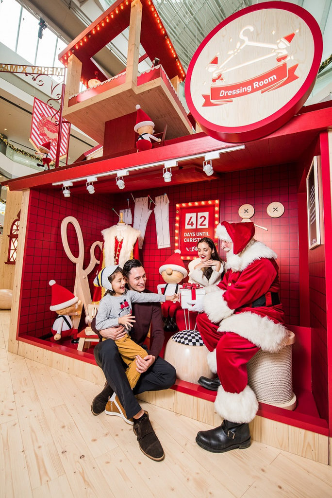 ifc 商場在 2018 聖誕節期間將變身成充滿北歐氣氛的聖誕老人學院「Santa Academy」。 聖誕老人衣帽間