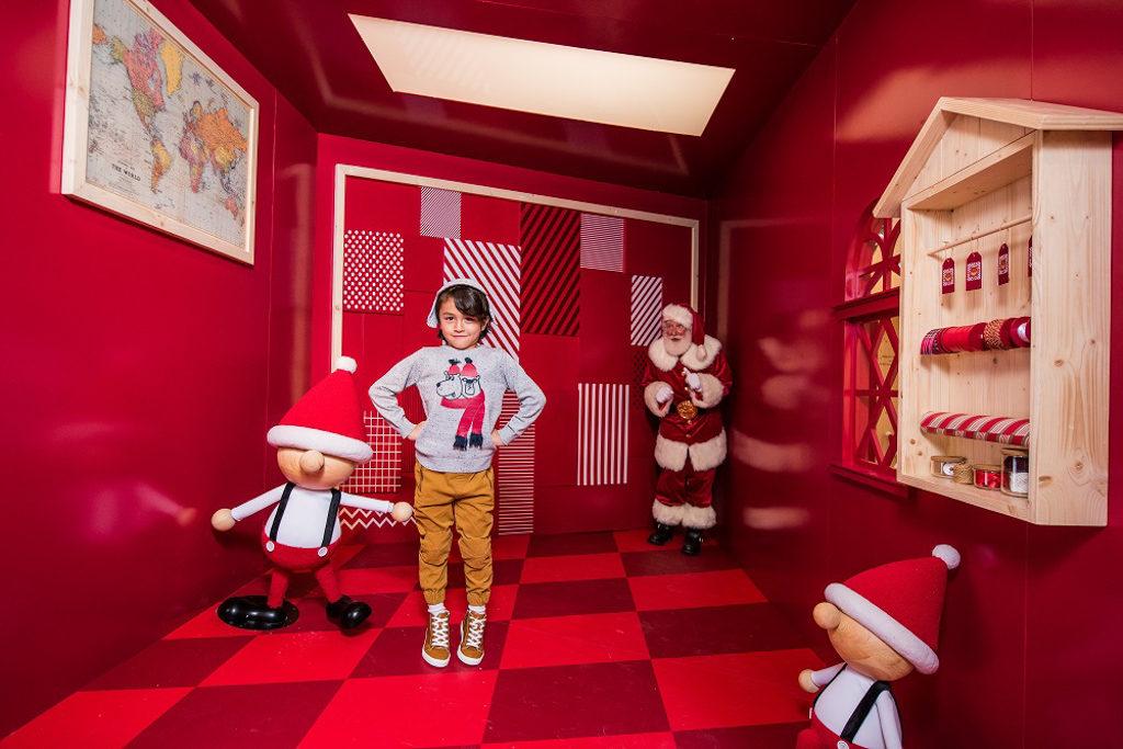 ifc 商場在 2018 聖誕節期間將變身成充滿北歐氣氛的聖誕老人學院「Santa Academy」。禮物工場
