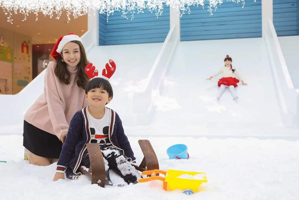 愉景新城:1萬呎聖誕飄雪樂園
