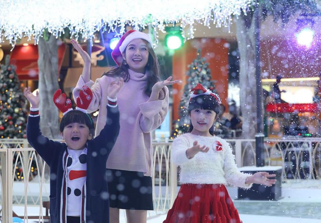 愉景新城:1萬呎聖誕飄雪樂園 D‧PARK 模擬極光在場內與飄雪互相輝映