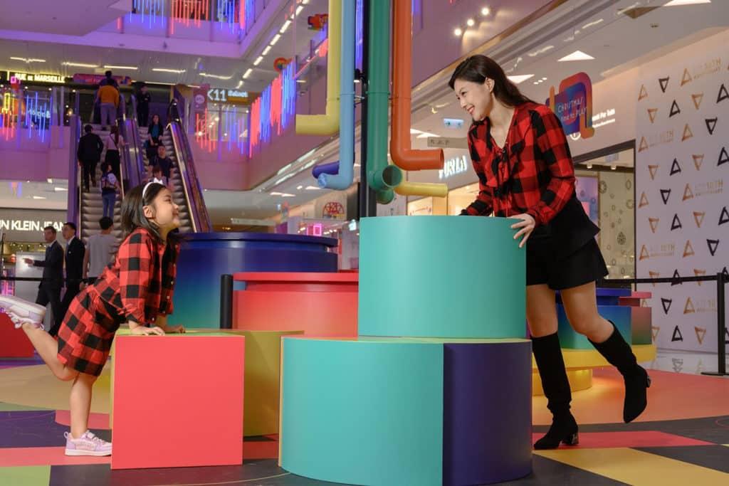 尖沙咀K11商場:Christmas Art Playground 「氹氹轉」與「潛望鏡」