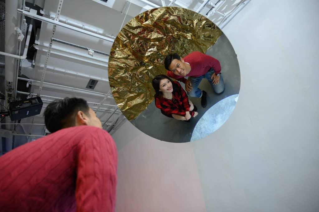 尖沙咀K11商場:Christmas Art Playground 捕捉閃閃發光的月亮