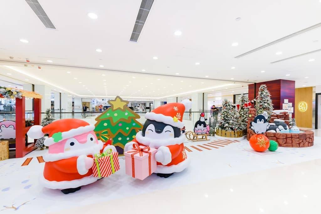 「企鵝温泉渡假小屋」,第一次來到香港的Koupen Chan,又怎會忘記在渡假期間拍攝美照?「企鵝温泉渡假小屋」齊集旅行渡假必影地點!