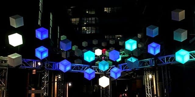 國際燈光藝術展展品:LightPiano(Kleurbleur,荷蘭)