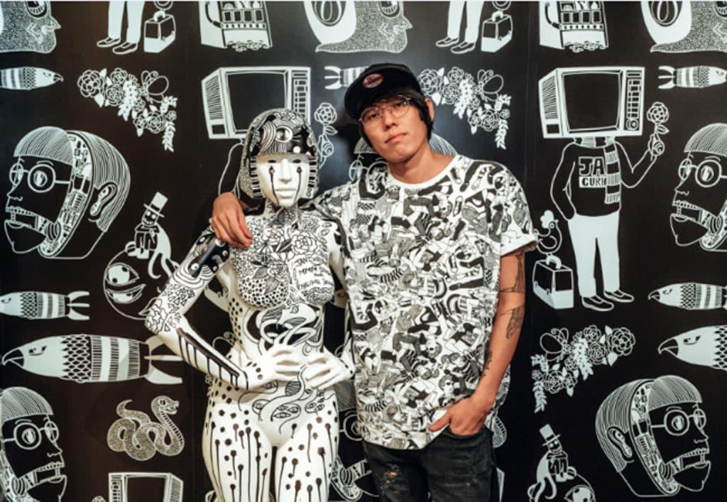 Lady Gaga黑白插畫蠟像登場|香港杜莎夫人蠟像館人物