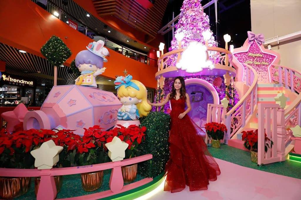 MegaBox:Little Twin Stars 聖誕夢幻樂園 8 呎高聖誕樹與 LED 玫瑰花