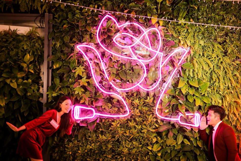 新都會廣場:Christmas Rosemance 霓虹玫瑰花