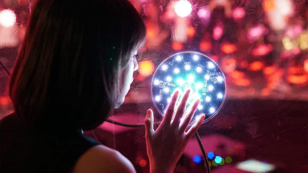 灣仔:「巨型『聲』光泡泡」大型設計裝置 設計裝置以光影帶來嶄新感官體驗。