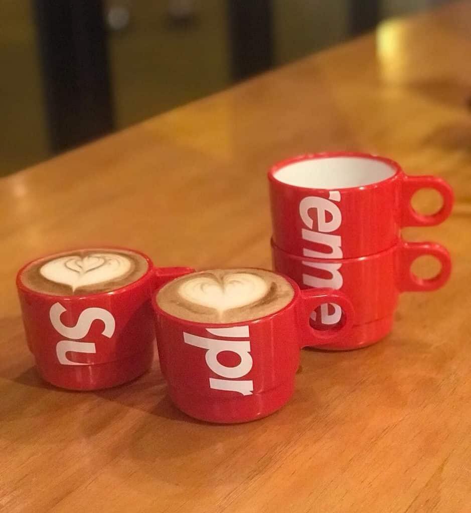 利奧坊:Supreme Square珍藏分享展及潮流巿集 Supreme水杯