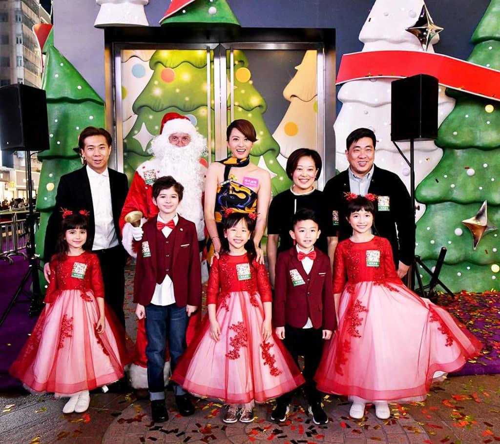 時代廣場:「微妙聖誕」微縮模型展覽 專題 藝人梁詠琪出席微縮模型展覽開幕禮。