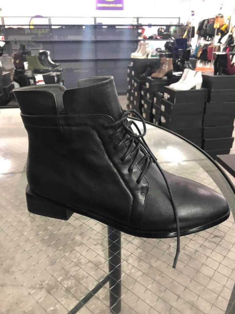 觀塘開倉:Boomsale聖誕服飾及精品開倉優惠 House of Avenues 短靴 $300