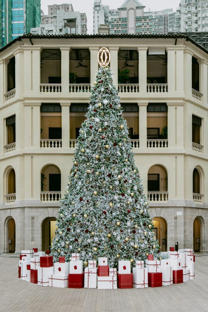 「卡地亞假大館傳揚聖誕精神」慶祝活動 卡地亞聖誕樹身高 12 米。