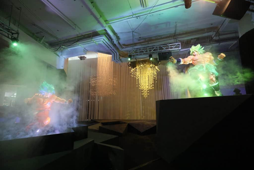 數碼港商場:龍珠超體感互動藝術展 參加者只要點擊手機網頁,就可以為心愛角色「集氣」。