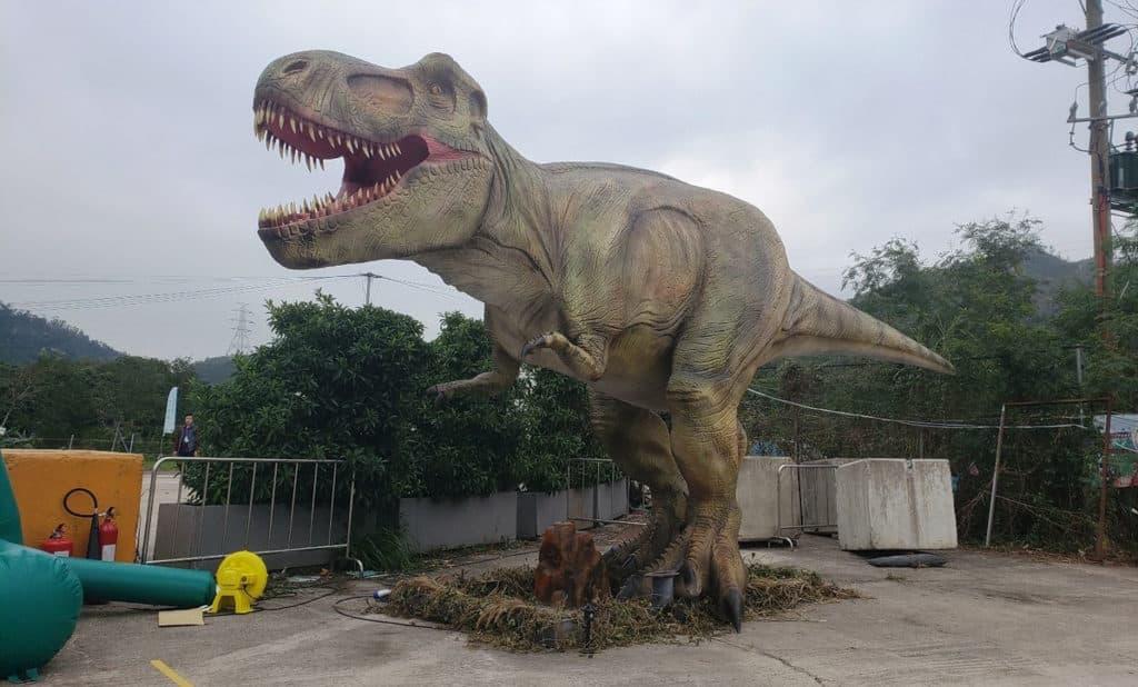 元朗大棠:「恐龍冒險王國」大型室外嘉年華 逾 3 米高的大型機械恐龍,當然少不了兇猛的暴龍。