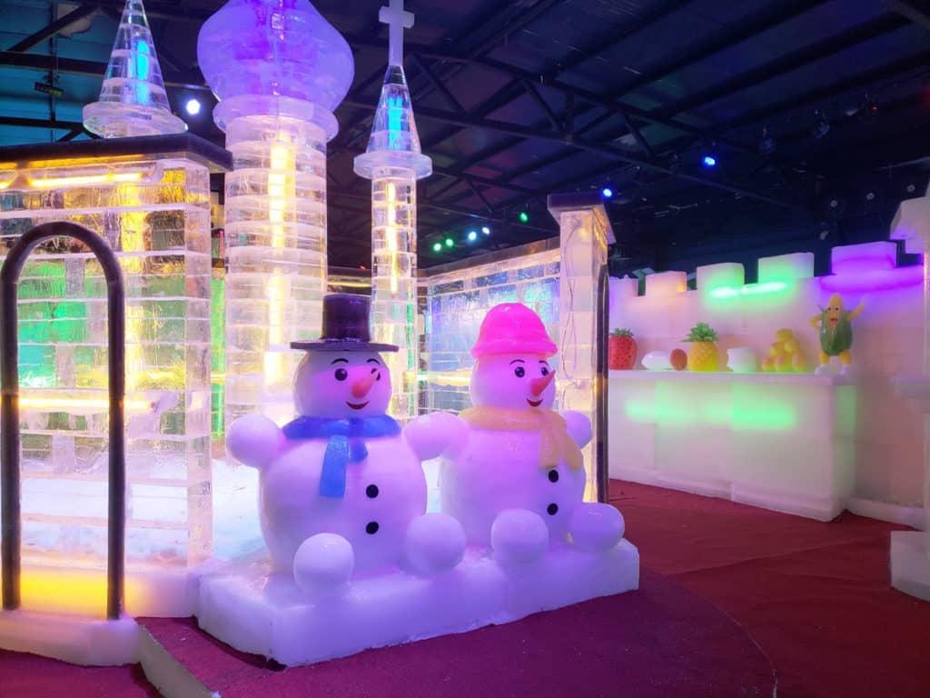 元朗大棠:「恐龍冒險王國」大型室外嘉年華 恐龍王國冰雪館的「聖誕老人村」