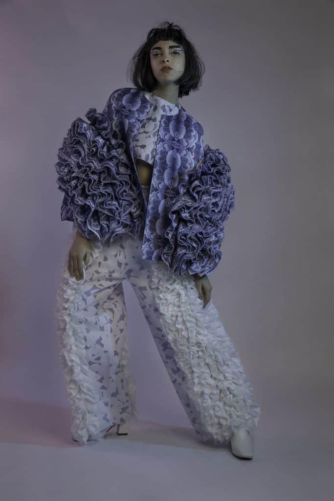 SCAD 畢業生 Cheryl Ma 的女裝系列「RISE」,靈感源自在逆境仍能茁壯生長的菇菌,比喻人類強勁的生命力及毅力。