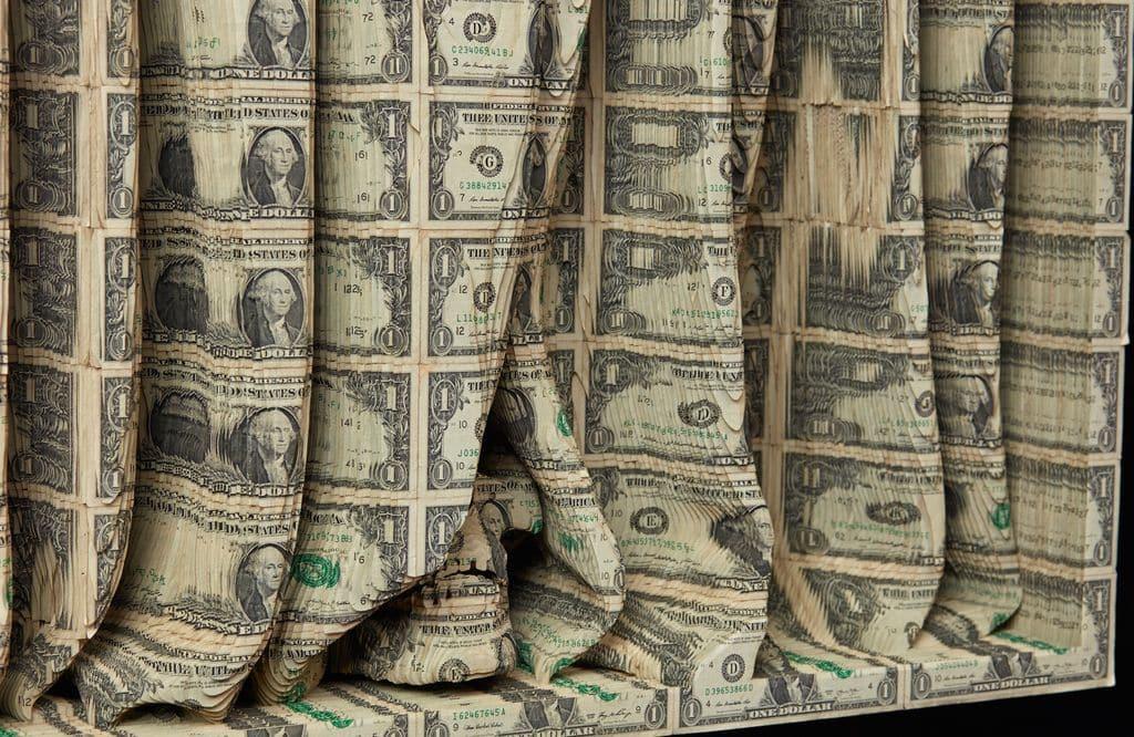 Scott Campbell最新系列作品,延續了就金錢對當代藝術廣泛影響這一主題的長期興趣。