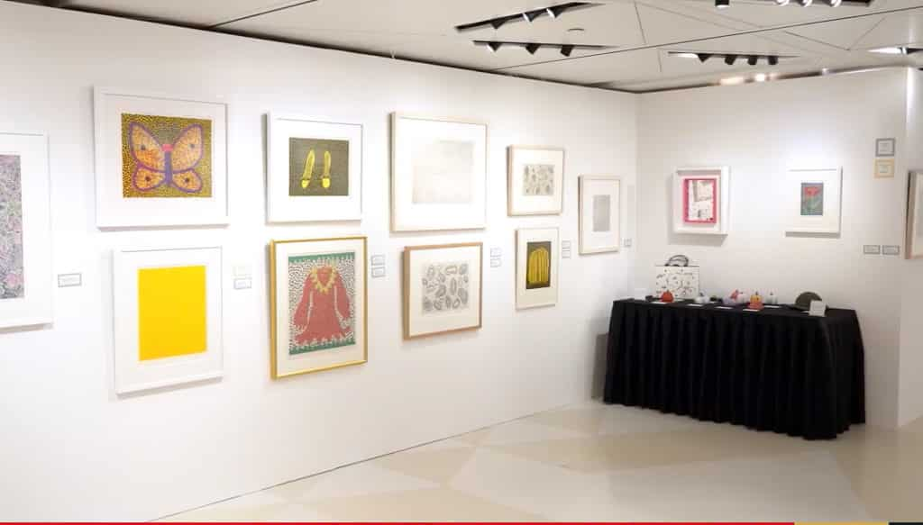 草間彌生暨當代藝術典藏展2018 草間彌生有 30 多件作品展出。