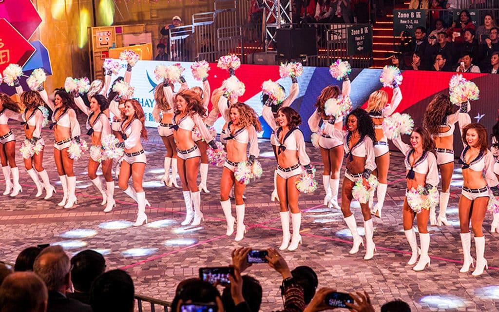 新春國際匯演之夜2019:大年初一香港新春花車巡遊 新春國際匯演之夜少不了來自世界各地的表演隊伍。