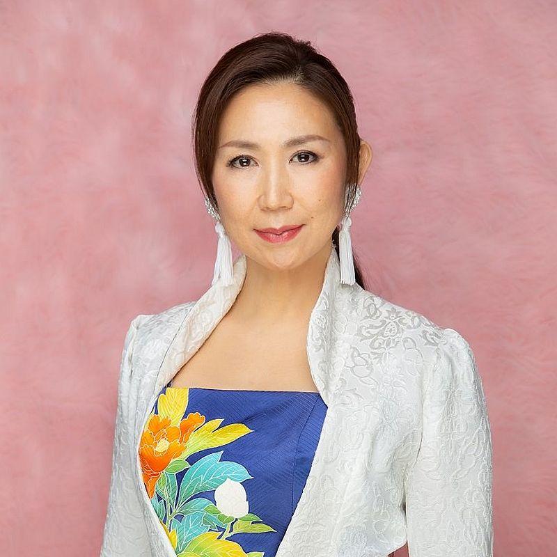 《新世紀福音戰士》主題曲《殘酷天使之綱領》主唱者高橋洋子將會在主舞台獻唱。