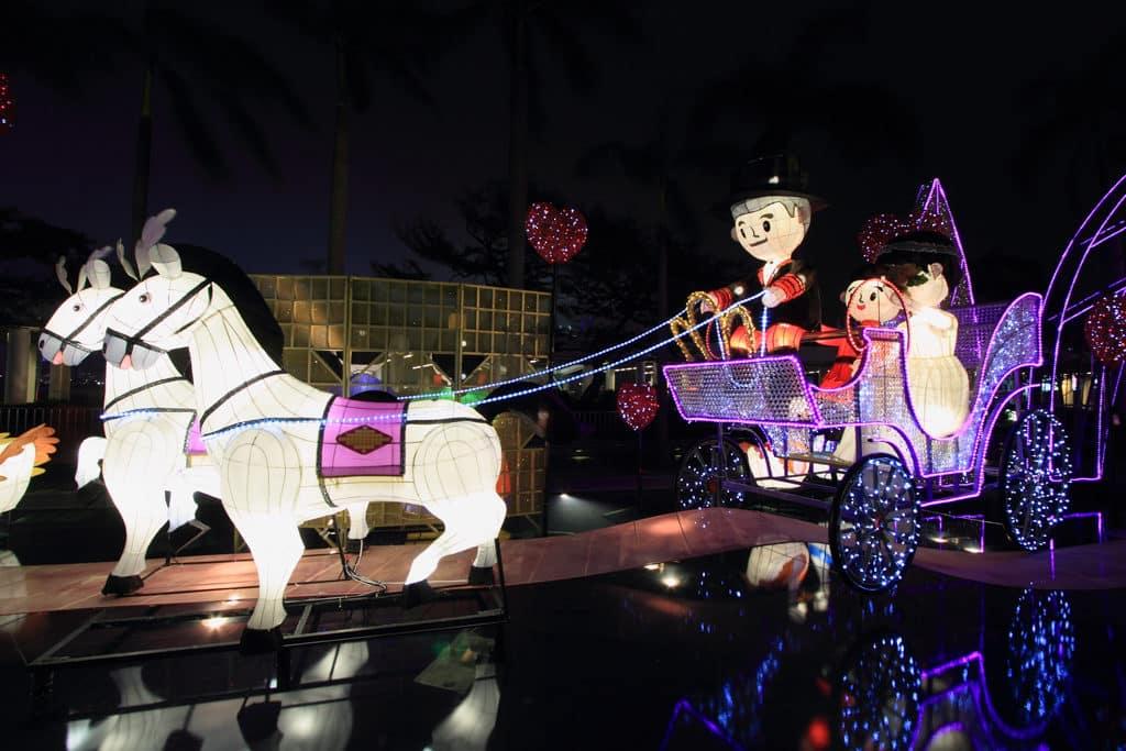 2019春節專題綵燈展 2019春節專題綵燈展將於尖沙咀文化中心廣場舉行。