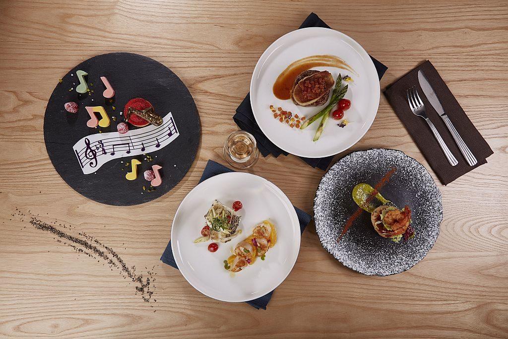 海洋公園海龍王餐廳在音樂會晚上將會提供「爵士樂套餐」,以美酒佳餚給樂迷聽覺及味蕾雙重享受。