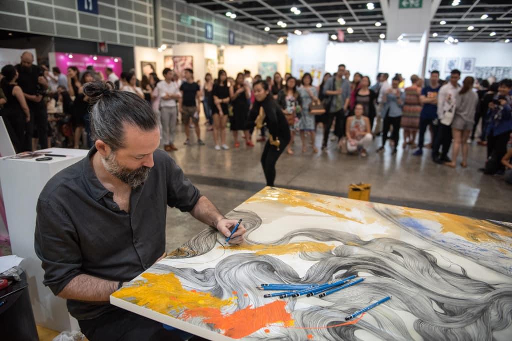 會展:Affordable Art Fair Hong Kong 2019 藝術家亦會在會場內即席創作。