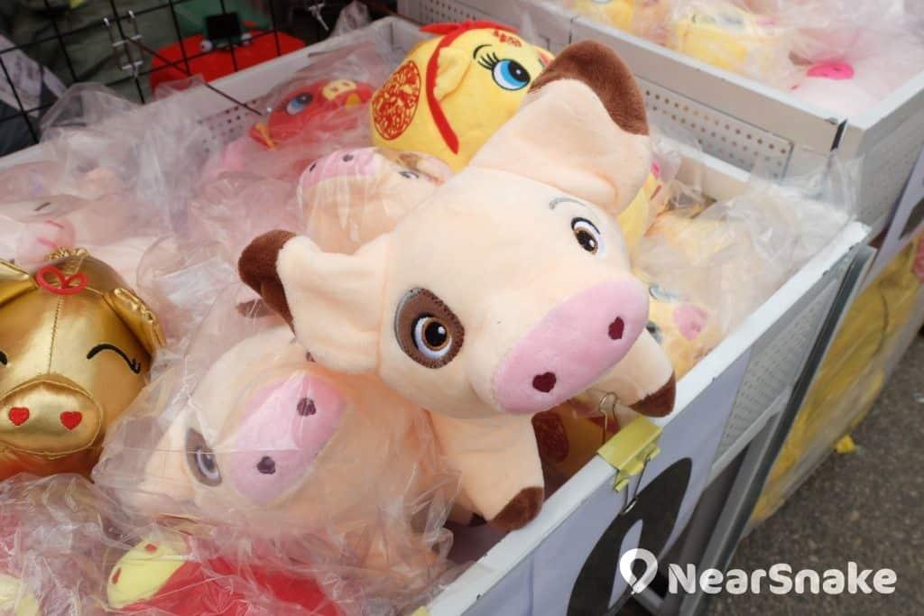 平價貨品堆中也可能藏有「寶物」,這個造型獨特的豬仔正是之一。