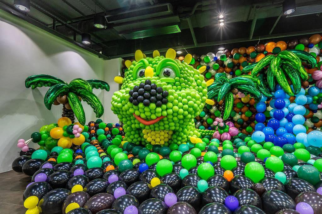 KCP九龍城廣場:「恐龍世界大冒險」氣球藝術展覽 - 長著黑色鼻子的恐龍