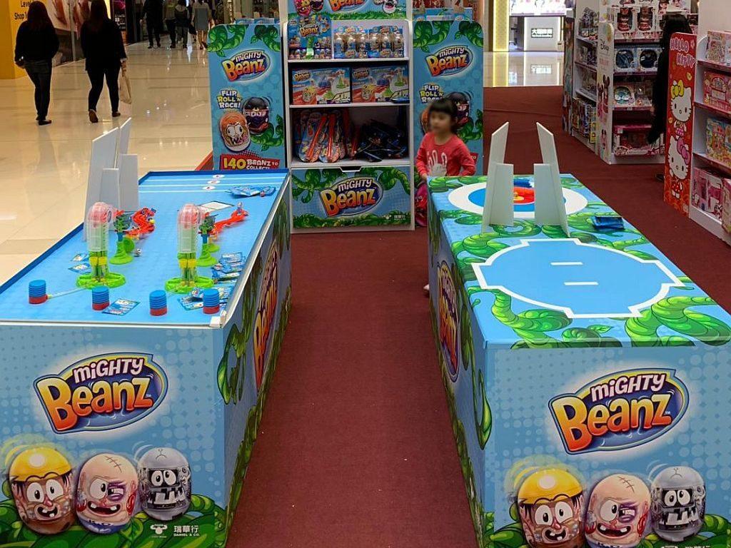 一田百貨玩具祭會場設有 Mighty Beanz 跳豆挑戰站和試玩區。