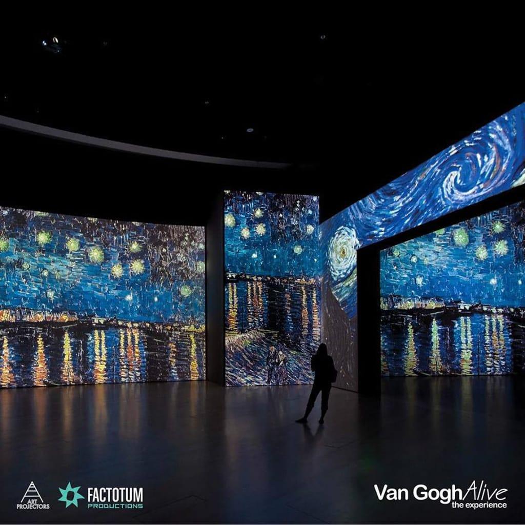 梵高在世:多感官體驗展覽 展覽展出逾 3000 幅梵高名畫影像。