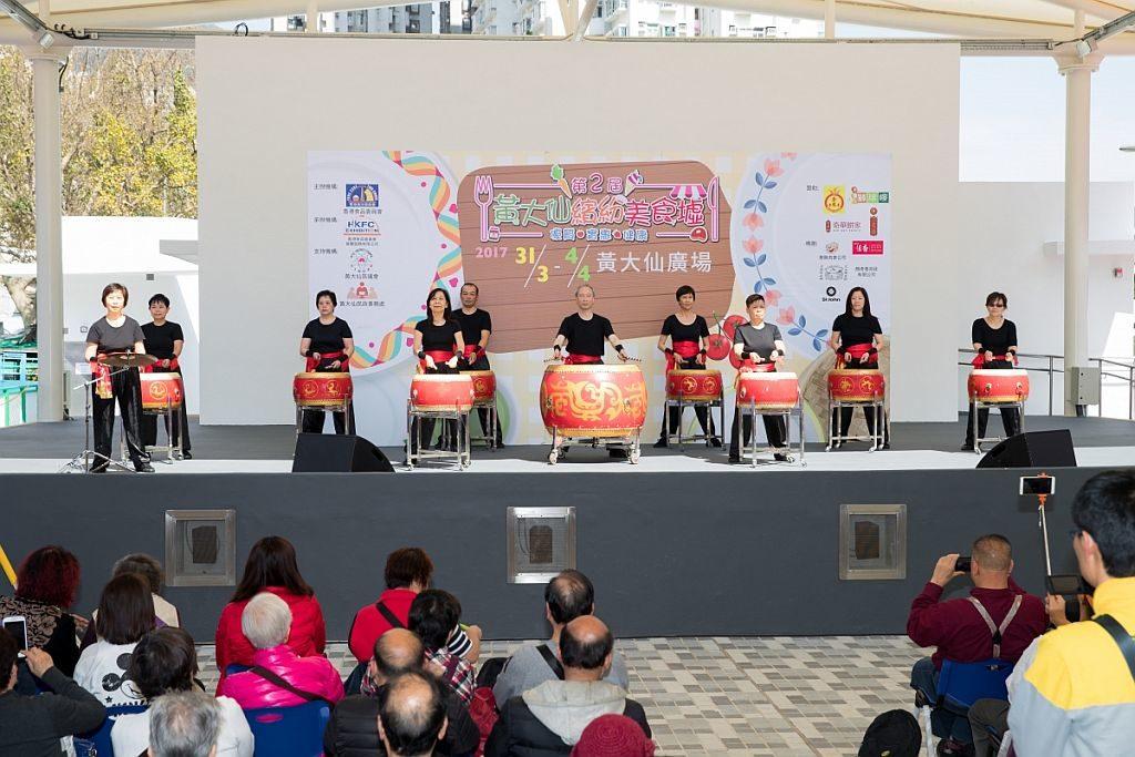 黃大仙繽紛美食墟的表演台將上演不同類型的精采表演。