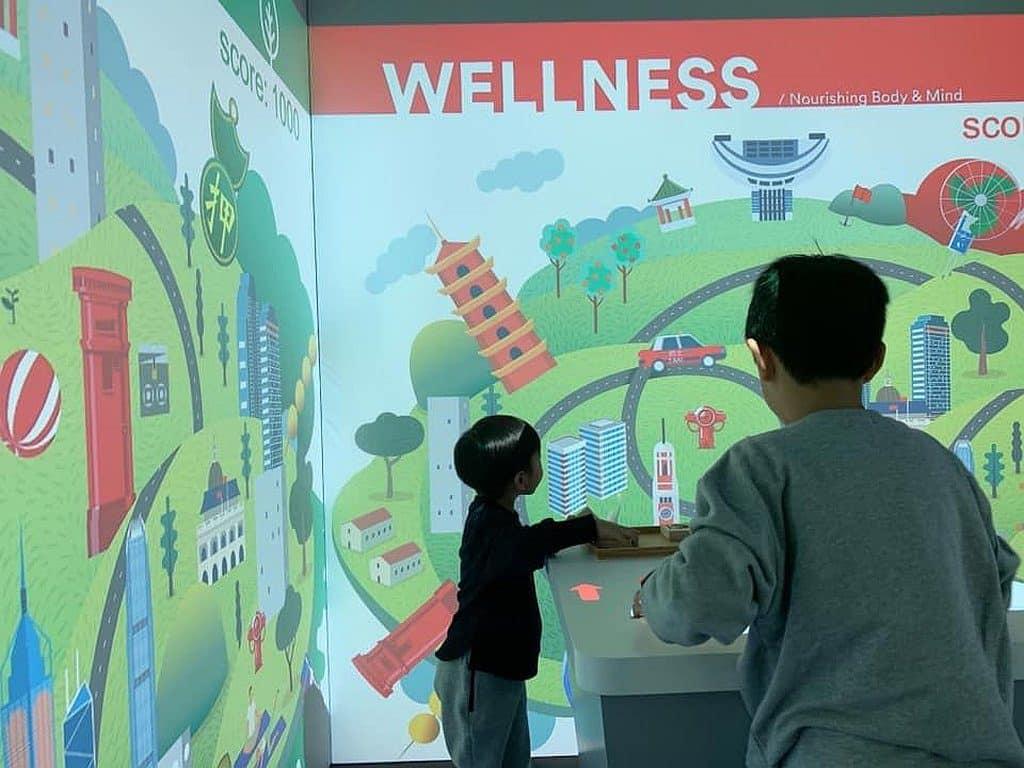 愉景新城:Artisanal Hub 第三個體驗區設有投影式親子互動遊戲。