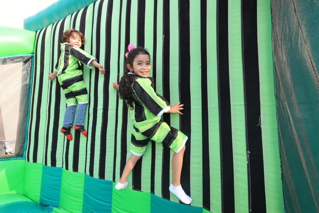 黃金海岸親子尋蛋樂2019 現場設有充氣遊戲設施讓小朋友盡情放電。