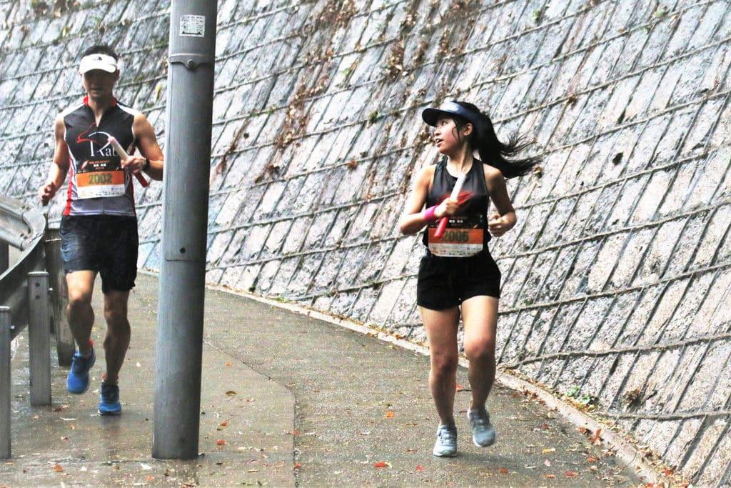 蘭桂坊:跑者無極Run for Infinity 2019 無極接力組隊伍必須由一男及一女組成。