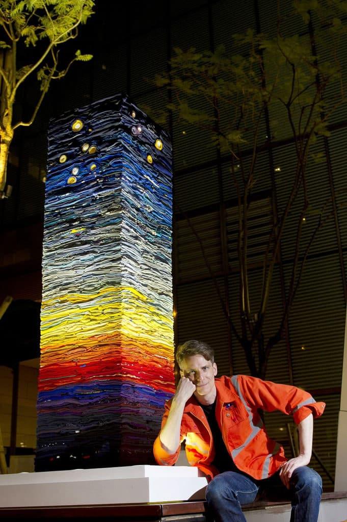 """星街小區:""""You Are My Other Me"""" 大型環保藝術裝置 環保藝術家 Derick Melander 創作的大型環保藝術品。"""