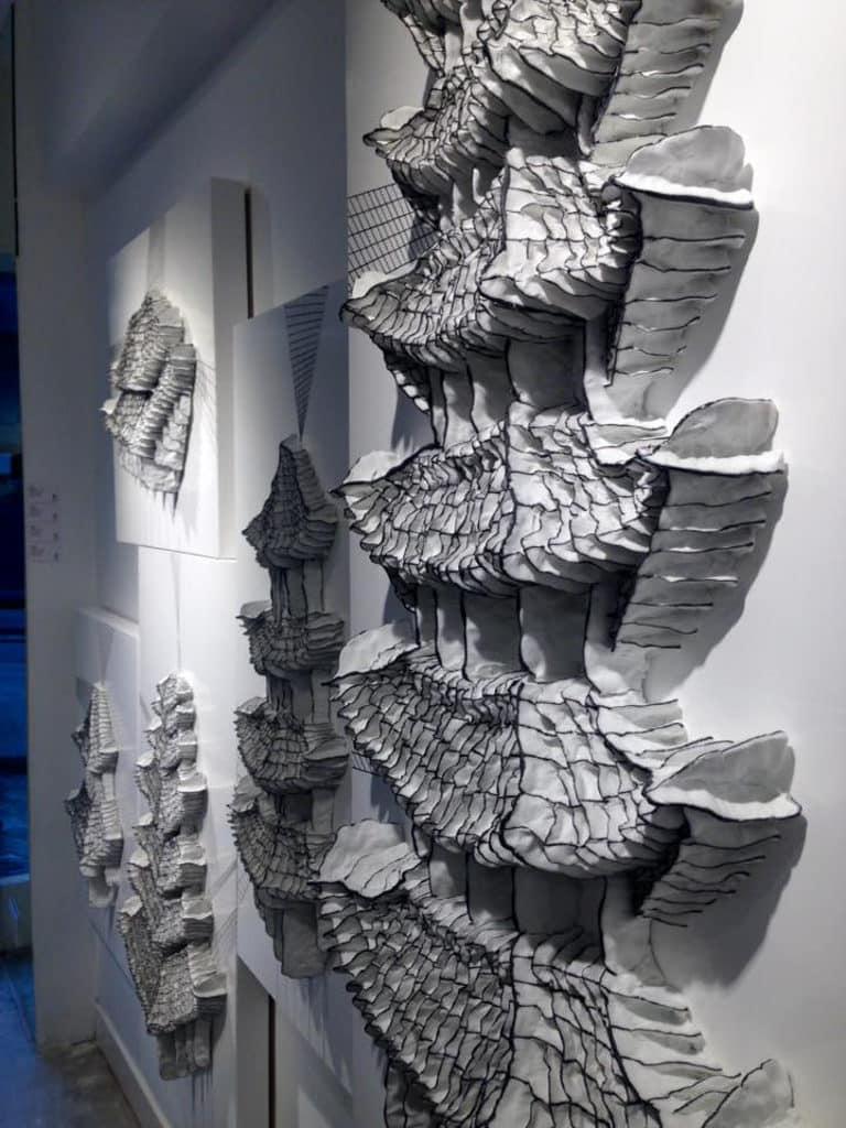 「無限」譚丹武個人作品展 譚丹武的作品挖掘了材料的表現性。